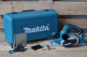 KP0810K Makita 230 V Schaaf 82 mm In koffer